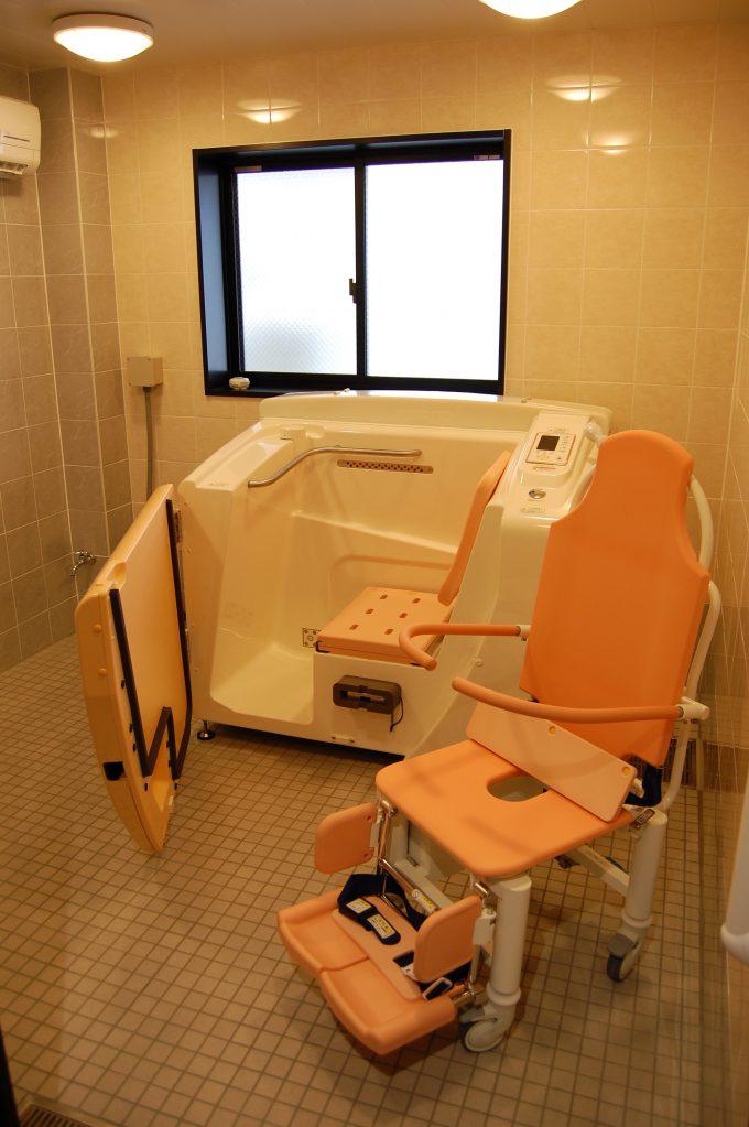 重度の方も安心の機械浴