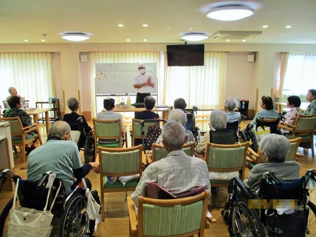 9月18日「ぺんぎん食堂」を開催しました|デイサービスのレクリエーション