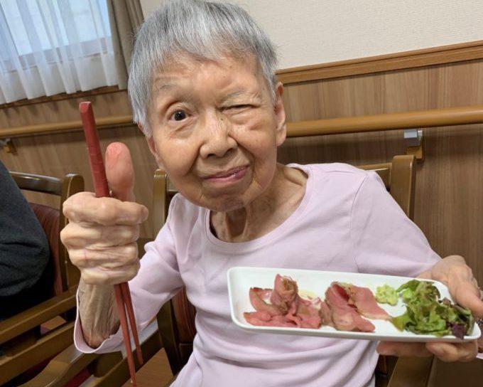 藤枝デイサービス_食事ローストビーフ